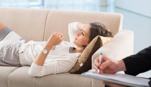 Psychotherapie bei Psychotherapeuten oder Psychologen?