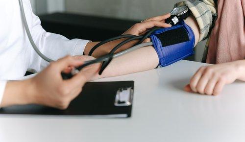 Bluthochdruck mit Komplementärmedizin vorbeugen